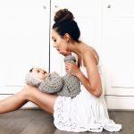 femme-robe-blanche-enfant